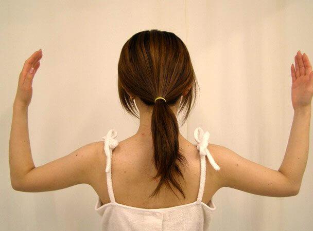 No.7真崎式プチ・リポ 腕をあげる 術後2週間 症例写真
